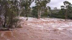Πλημμύρες και πτώσεις βράχων στην περιοχή της Σιθωνίας